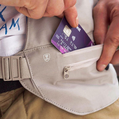 ľadvinka LIFEVENTURE RFiD Multi Pocket Body Wallet Waist Sand